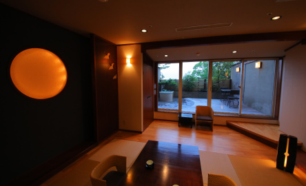 Special rooms with private hot spring TSUKINOZA